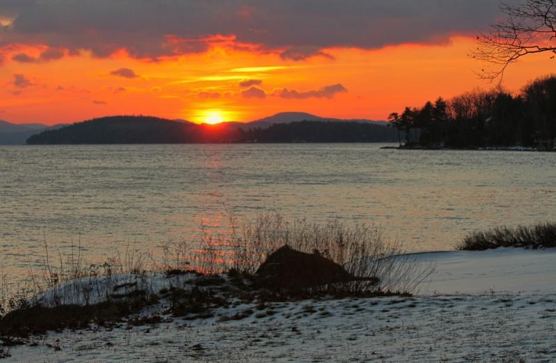 Name:  sunrise_winnipesaukee_12-4-14-qpr (2).jpg Views: 714 Size:  58.2 KB