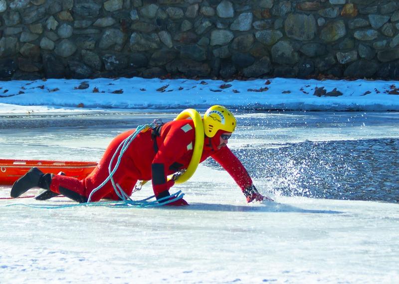 Name:  ice_rescue_1-qpr.jpg Views: 2897 Size:  189.7 KB