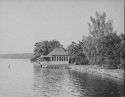 176A_Bit_of_Shore_at_Wolfeboro_Bay_1906
