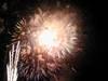 131grandfinaleCenterHarbor2004fireworks_088_96_.jpg