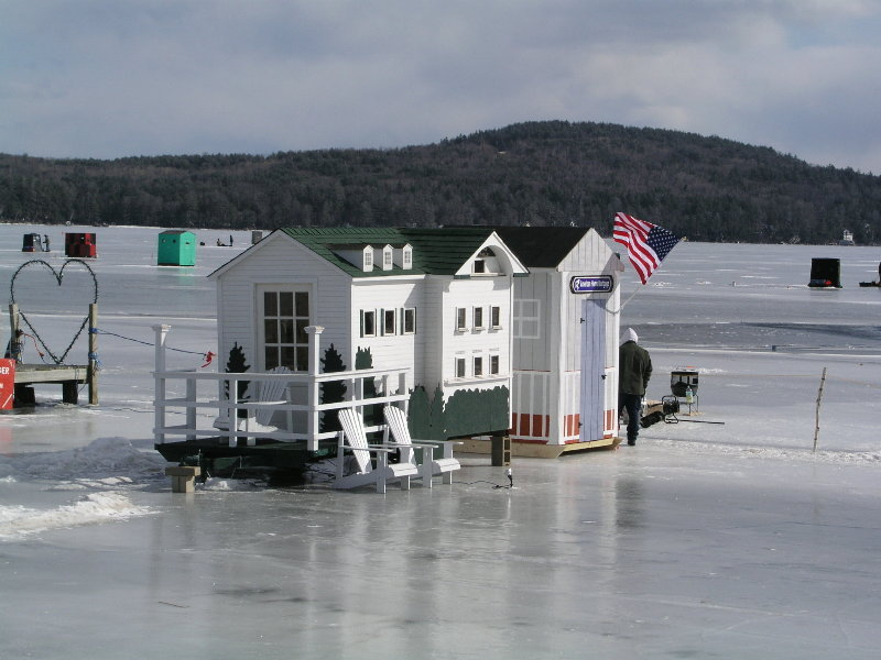 Meredith bob houses winnipesaukee photopost gallery for Mn ice fishing show